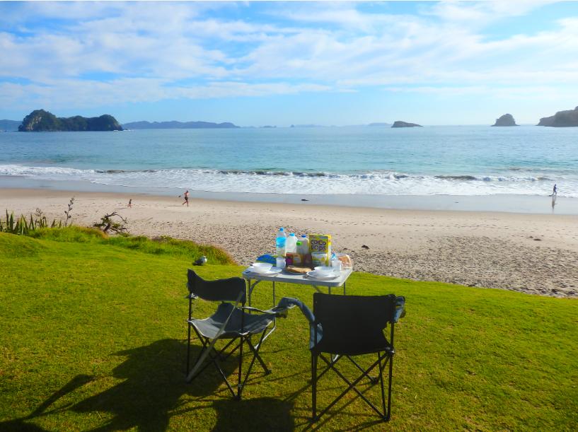 Camping und Frühstück am Hahei Beach