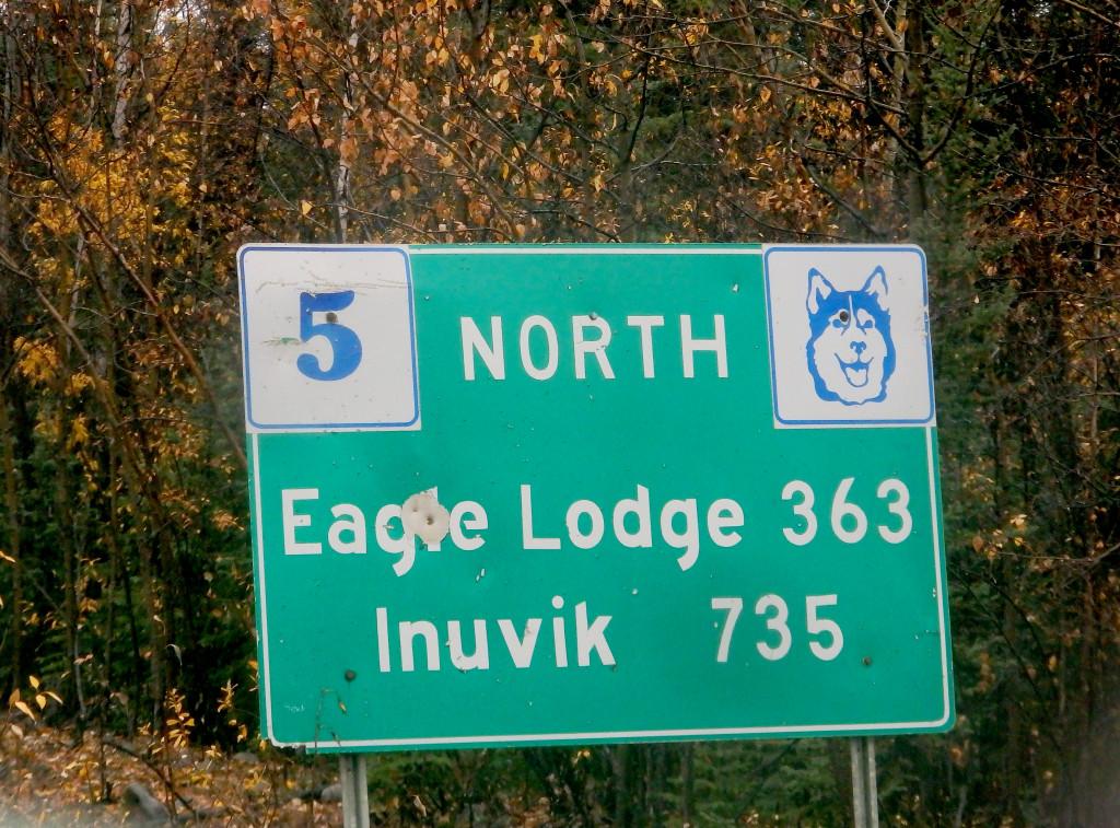 Entfernungen Dempster Highway Schild