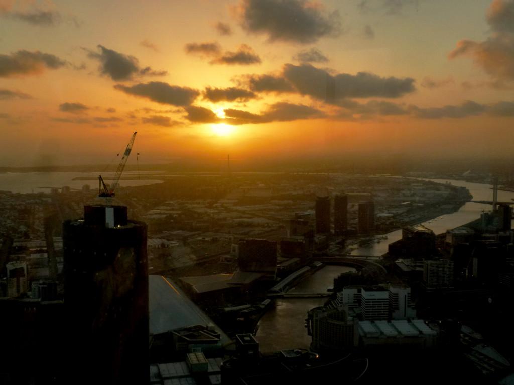 Sonnenuntergang Eureka Tower Melbourne von oben