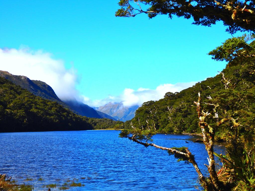 Lake Howden Hut Sonne Wolken